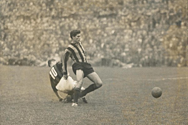 Derby Inter - Milan, duel with Schiaffino